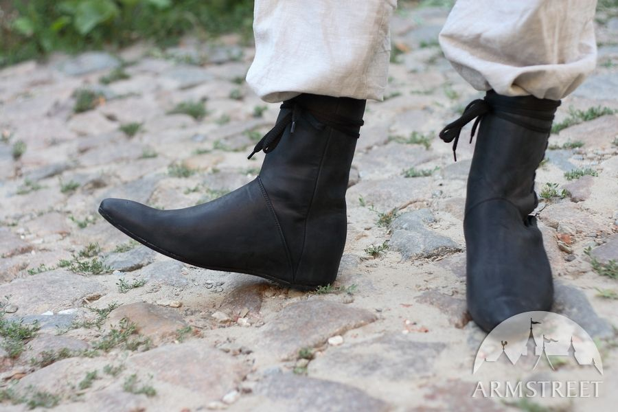 medieval-fantasy-high-field-shoes-2