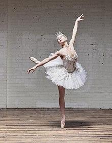 220px-kc_ballet_swan_lake_1_282442289632329